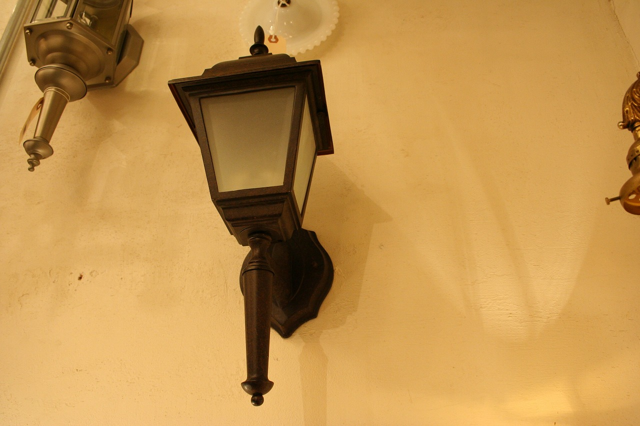 NEW ARRIVAL BRACKET LAMP!