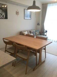 SCシリーズダイニングテーブルと宮崎椅子のペペチェアー