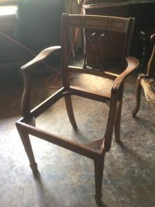 アンティークの椅子の修理
