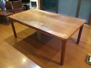 チーク無垢材のダイニングテーブルの出張メンテナンス(日田工芸)