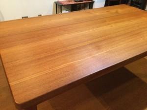 テーブル天板オイル塗布後