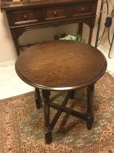 横浜家具の コーヒーテーブル オーダー品の塗り直し