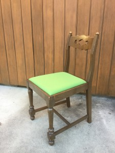 横浜家具のチェアーⅡA型張り替えのお届けと横浜山手の洋館の関係は、、