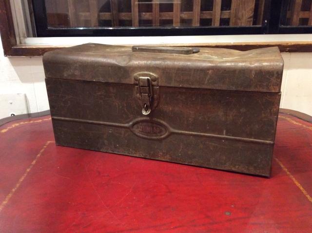 """Vintage Metal Tool Box""""DUNLAP""""."""