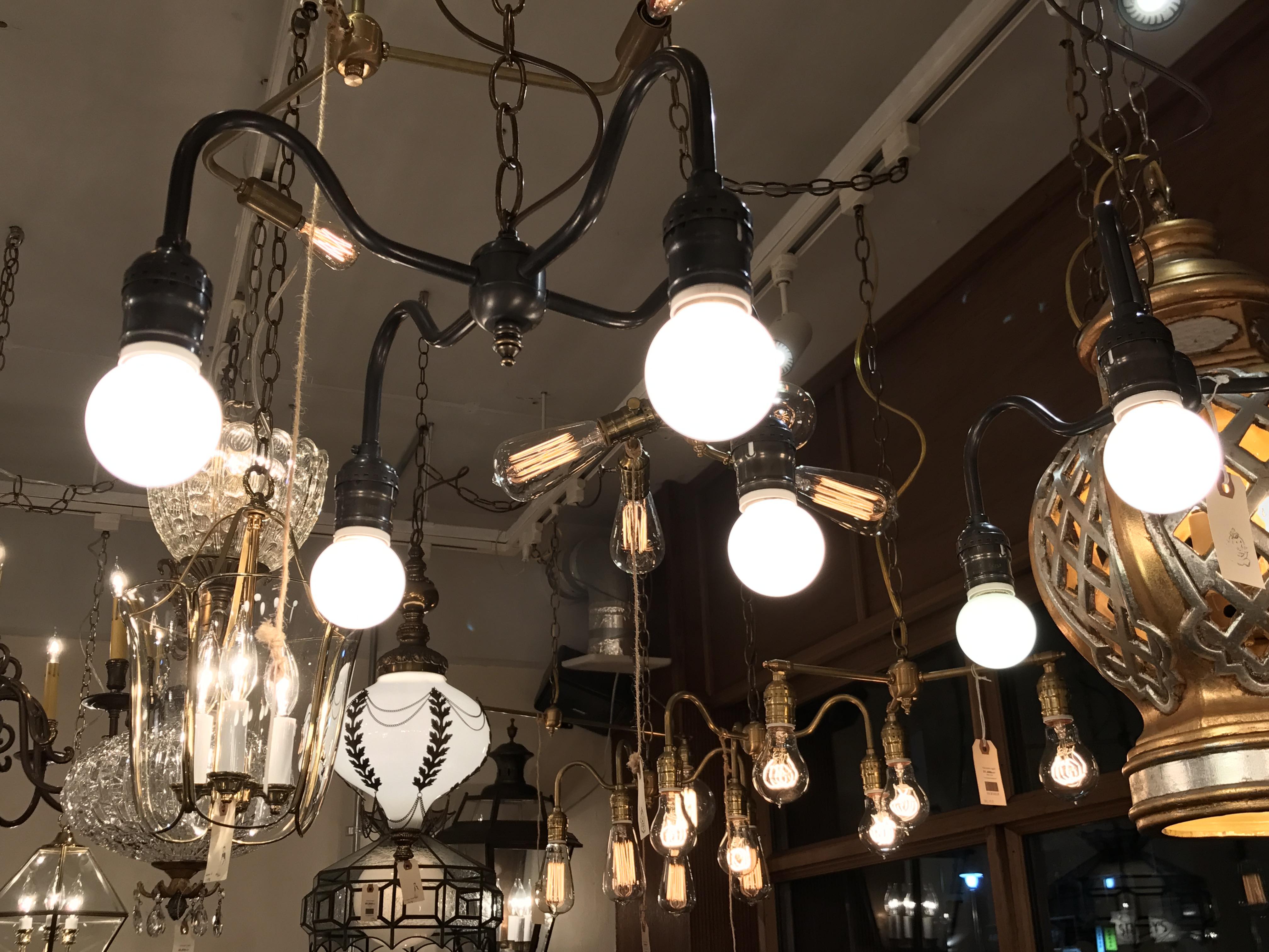 4 Bulbs Light