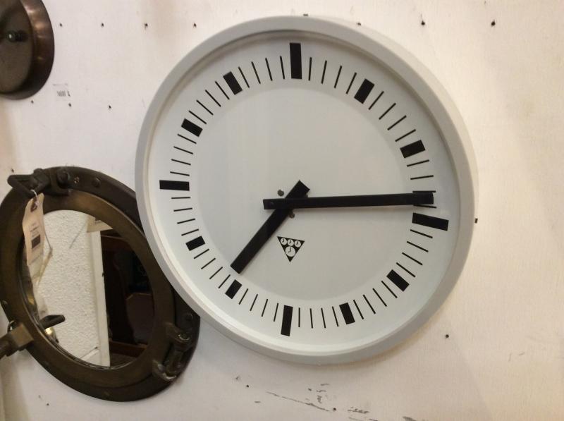Pragotron Clock.