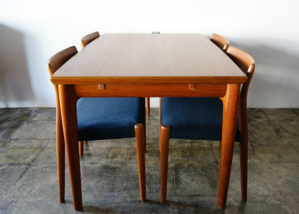 GRETE JALK DINING TABLE +JL.MOLLER NO.77
